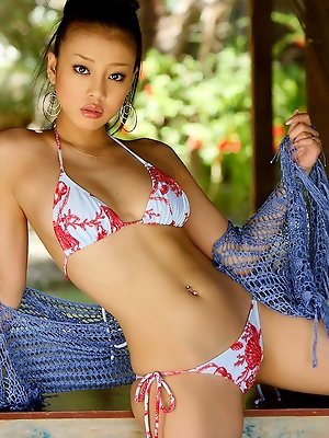 Yuu Abiru Asian with big cans is one of the sexiest models around